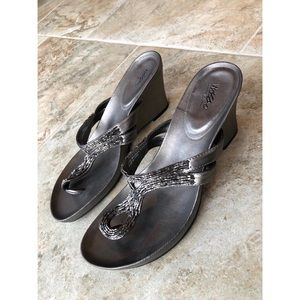 Mossimo Sparkly Chrome Wedged Heels Size 7.5